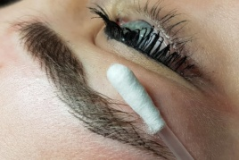 Eyebrows in Casual Style - Hairstrokes Technique